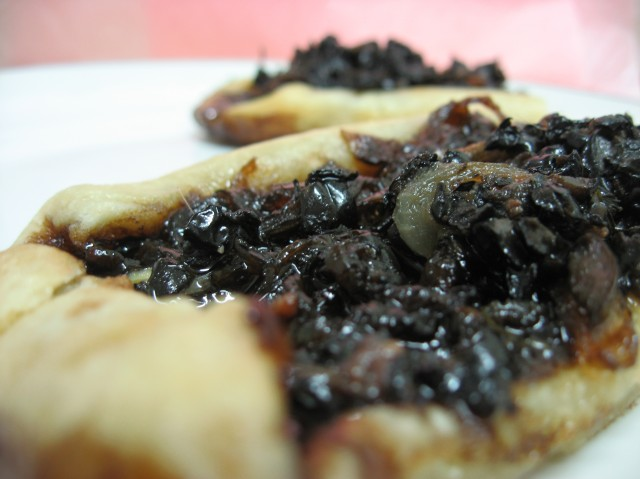 Hay Hay It's Donna Day #15 - Tarts: All-Inclusive / Caramelised Onion and Anchovy Tarts (recipe)